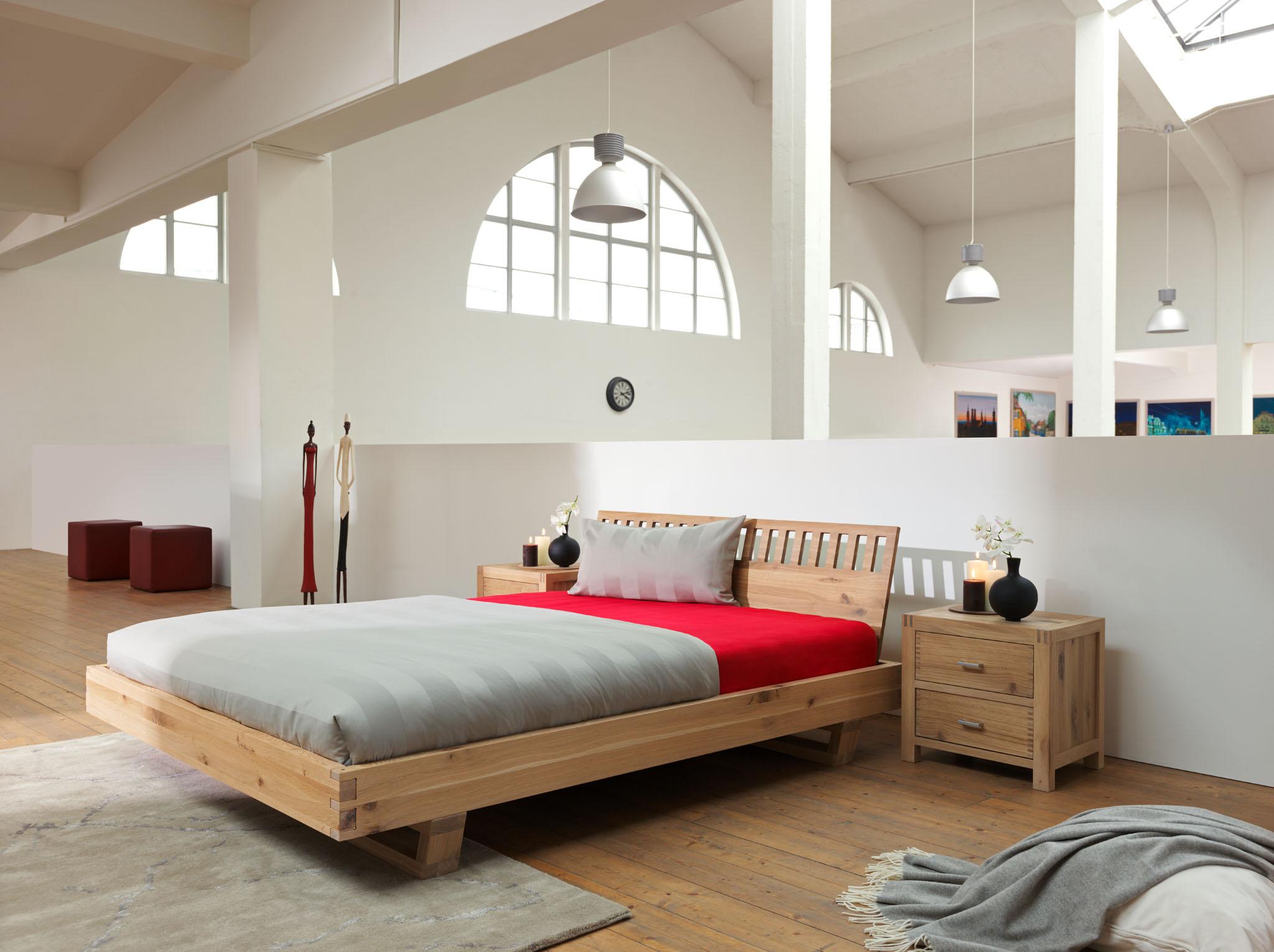 bett in eiche massiv. Black Bedroom Furniture Sets. Home Design Ideas